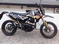 PULSE 250 ADRENALIN SUPER MOTO