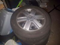 Renault alloy wheels with tyres