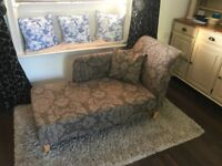 Brown Damask Chaise longue / Sofa