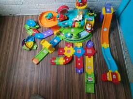 Toot toot town, track and cars