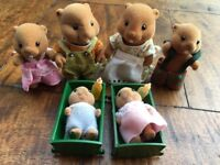 SYLVANIAN FAMILIES VINTAGE WATERS BEAVERS FAMILY & BABIES & BOTTLES LATE 80'S