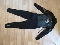 LADIES WINTER WET SUIT SIZE 16, USED ONCE , SOLA, full length,dry knit thermal back lining.