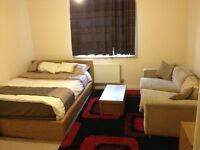 ** SHORT LET ** Clean Fully Furnished Self Contained Studio Flat