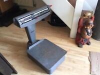 Vintage Avery Platform Weighing Scales in good working order