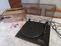 ION Vinyl to MP3 turntable with lid - new