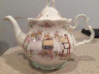 Brambly Hedge tea pot