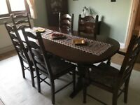Dining table - expandable table, 4 chairs and 2 captain chairs