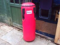Lonsdale heavy punch bag with straps