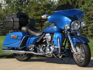 2007 harley-davidson FLHTCUSE4 CVO Ultra Classic Electra Glide   London Ontario image 2