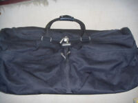 Forecast large (90 l) two wheel rolling holdall/duffle bag