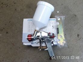 GRAVITY FED SPRAY GUN ( BRAND NEW IN BOX )