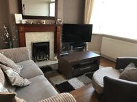 Room to rent in 2 bed house in a quiet area of Coventry. Professional female looking for likewise