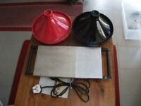 Electric Food hotplate hardly used, Plus 2 Tagines one red and one Black