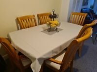 Solid wood dinning table +6 chairs