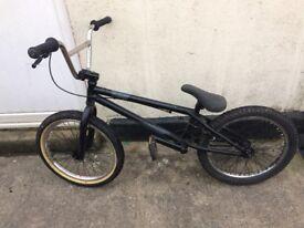 Bmx stunt bike (voodoo malice) EXCELLENT CONDITION