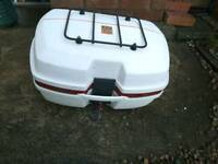 Givi e45 top box with lid rack