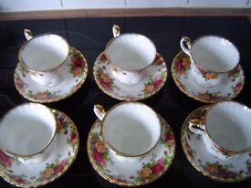 Royal Albert 'Old Country Roses' Tea Cups and Saucers.