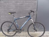 Giant hybrid city bicycle (mechanical disc brakes)