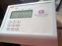 SECA ELECTRONIC WEIGHING SCALES - DIGITAL - BUSINESS PRODUCT - HEAVY DUTY