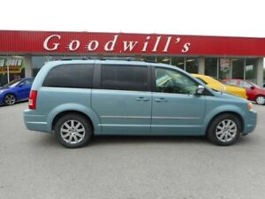 2010 Chrysler Town & Country TOURING! SUNROOF!