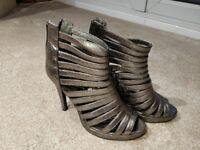Publicite Gold/Bronze heels - UK6