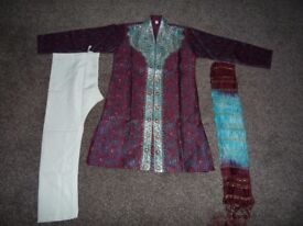 Boys maroon and blue Indian Suit (Sherwani suit) Age 6, brand new, £10