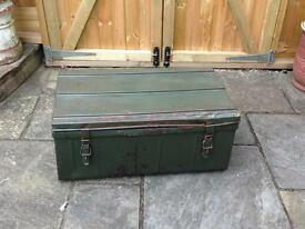 VINTAGE RUSTIC INDUSTRIAL CHIC LARGE GREEN & GREY METAL TRUNK/CHEST