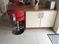 Kitchen units and breakfast bar plus appliances