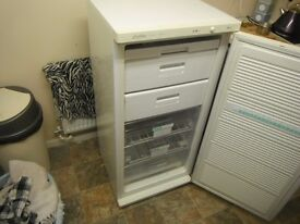 freezer . lceline deluxe . 4ft draws fully working order £45,00