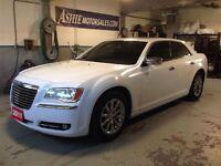 2011 Chrysler 300 Limited LEATHER! SUNROOF! NAV!