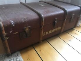 Vintage Trunk - flat top, good condition