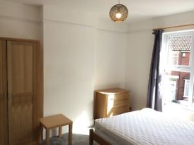 Lovely furnished double room to let in friendly shared house in Windmill Hill (available 29th Sept)