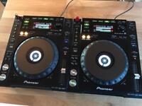2x Pioneer CDJ 850 DJ Decks - Mint condition