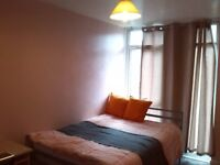 Spacious room in Leeds city center close to Universities all inc