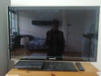 Samsung 40-inch LCD screen (not Smart) - with free blu-ray player