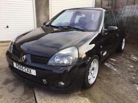 Renault Clio sport 182 black gold