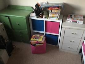 Kids bedroom furniture cube system
