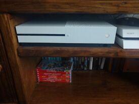 Xbox One S 500GB White + Gears Of War 4 & Killer Instinct