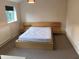 A Spacous Double bedroom in a shared house close to the University and Hospital all bills included.