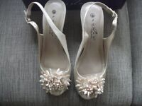 PAIR OF LUNAR ELEGANCE WEDDING SHOES SIZE 3 EURO 36 AS NEW