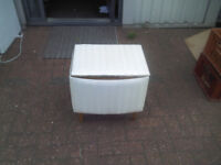 BEAUTIFUL WHITE CHIC OTTOMAN CHEST ON WOODEN LEGS - GREAT CONDITION