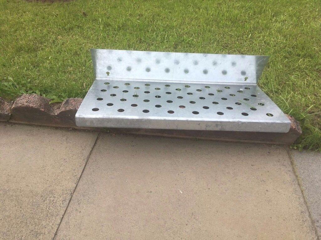 Metal shelf - reclining