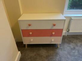 Chest of draws dresser