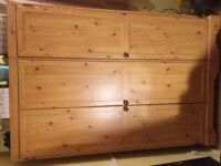 Dd sold pine bed