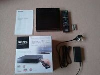 Sony SMP-N100 Internet TV & DLNA USB Media player / Network Media Player with built in WIFI Boxed