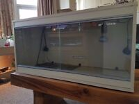 3FT Vivarium. Excellent condition. Full bearded dragon set up