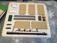 Vintage original Hornby Minic Ships (9) and ocean terminal in reasonable condition