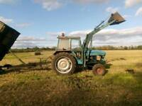 Leyland 270 tractor with loader