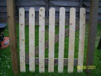 garden gate 2 posts + hinges