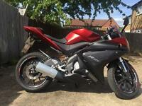YAMAHA YZF-R125 2014 NEW SHAPE MATT RED WITH YEARS MOT EXCELLENT RUNNER VERY LOW MILES WITH ALARM